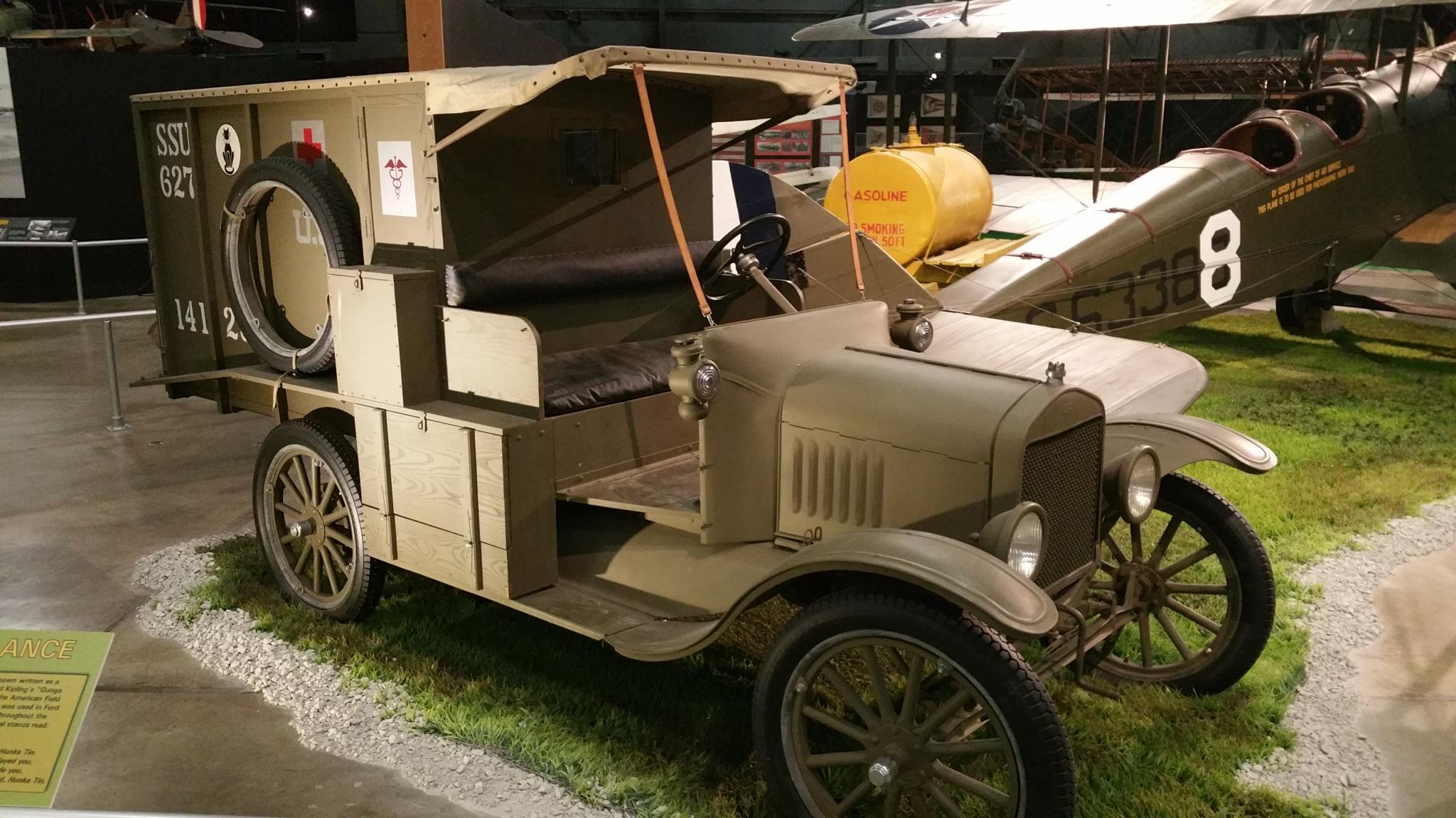 restauro auto legno pelle